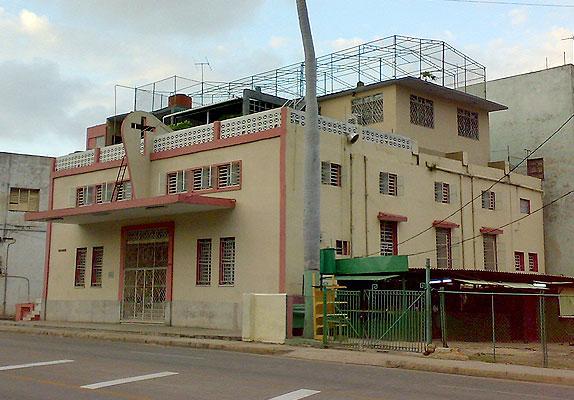 Iglesia Evangélica Pentecostal, ubicada en Infanta y Santa Marta, Centro Habana.